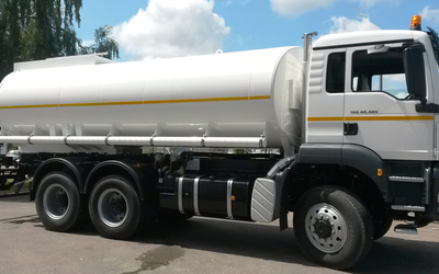 Custom-made in Germany. Water Tank Truck for drinking water transportation. Capacity: 22.000 ltr.