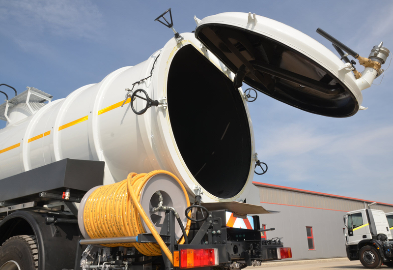 VACUUM-Tank truck with JETTING and FLUSHING function- RAC