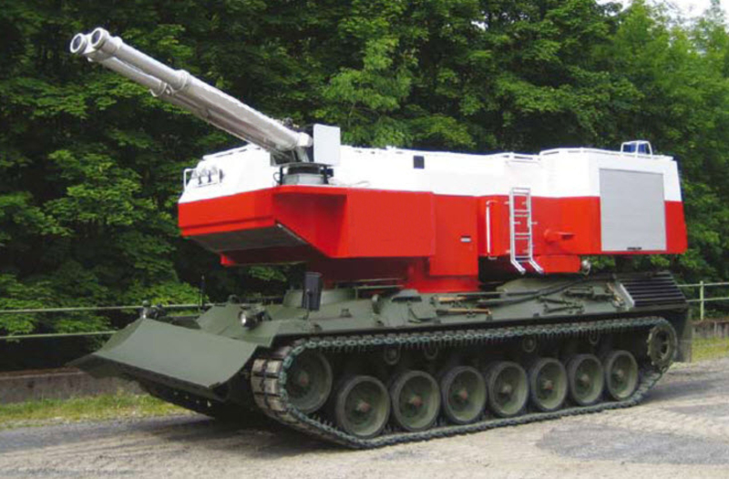 Tracked fire fighting vehicle - RAC Germany