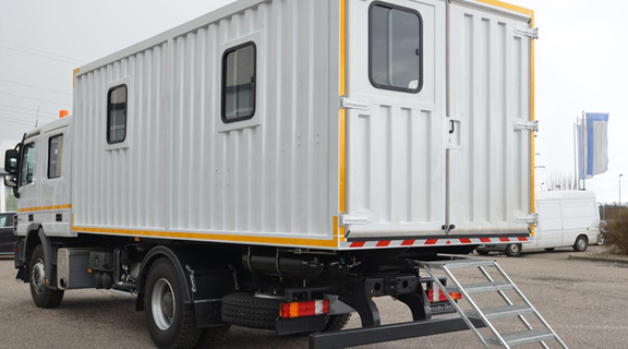Custom-made in Germany: Lube trucks with mobile workshop container units.