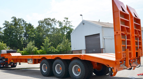 Customized off-road low bed trailer with loading capacity up to 120 ton. Made in Germany, Europe.