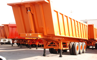 3-axles rock body rear tipper semitrailer. Capacity: 42 cbm.