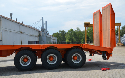 Heavy duty lowboy 96 ton. Made in Germany