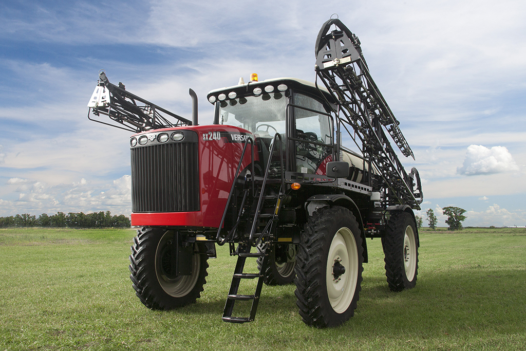 VERSATILE Self-Propelled Sprayer Model: SX240 and SX280